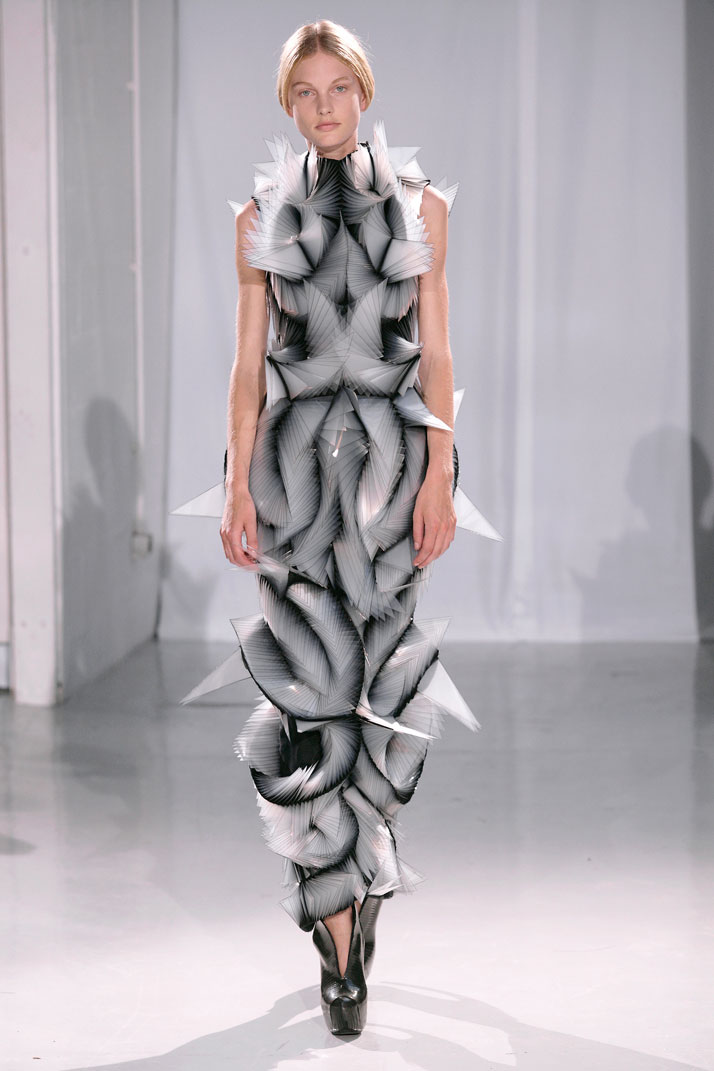Capriole by iris van herpen for Haute design