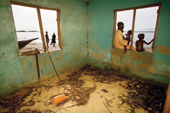 Photo from Curse of The Black Gold: 50 Years of Oil in the Niger Delta by Ed Kashi