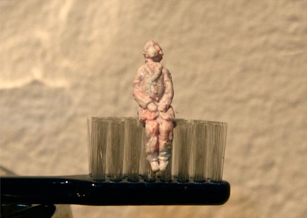 Kazuki Guzman - Toothpaste Sculpture
